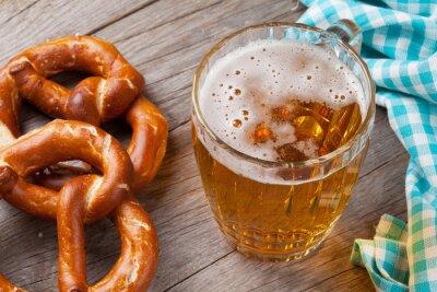 Cuadro Taza de cerveza y pretzel