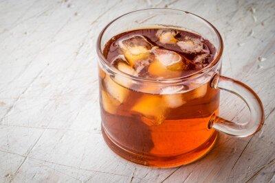 Cuadro Té con hielo en la mesa blanca rayado