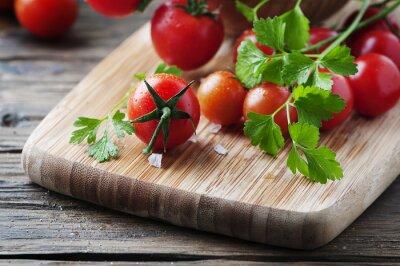 Cuadro Tomate rojo fresco con perejil verde