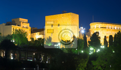 Torre del Pretorio romana en la noche. Tarragona