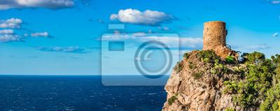 Torre des Verger torre de reloj histórico en la isla de Mallorca, España Mar Mediterráneo