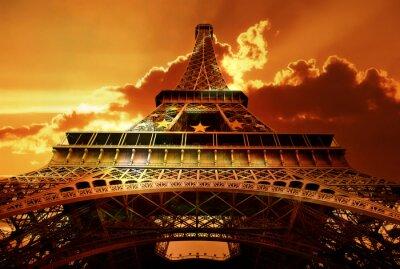 Torre Eiffel en la puesta del sol