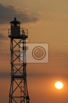 Torre en una mañana de naranja