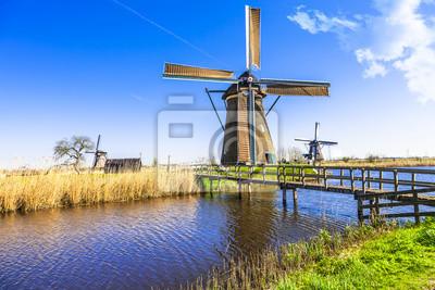 Tradicionales Holland paisaje - molinos de viento en Kinderdijk