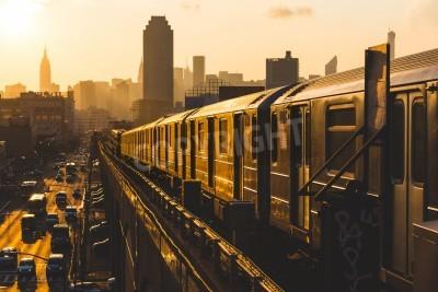 Cuadro Tren de metro en Nueva York al atardecer