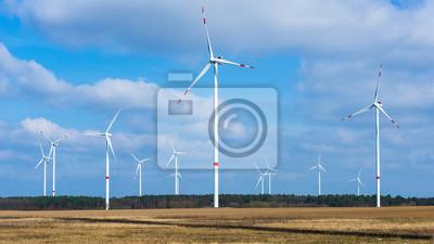 Turbinas de viento en el parque eólico