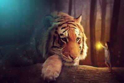 Cuadro Un mundo de fantasía - una mujer y un tigre gigante
