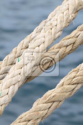 Una Cuerda naval en un muelle