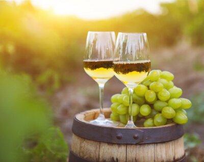 Cuadro Uvas blancas y dos vasos de vino blanco