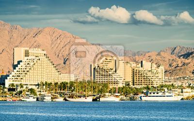 Ver en el puerto deportivo y hoteles de centro turístico de Eilat, Israel
