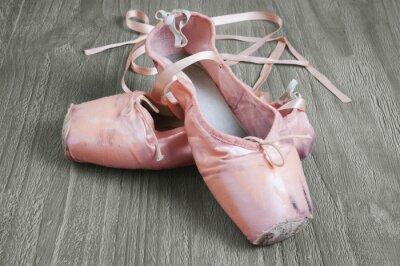 Cuadro viejas zapatillas de ballet de color rosa