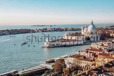 Cuadro Vista aérea panorámica de Venecia desde San Marco Campanile. Gran Canal, Basílica de Santa Maria della Salute. Italia