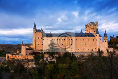 Vista crepuscular del Alcázar de Segovia