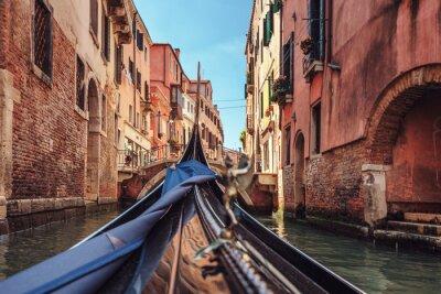 Cuadro Vista de góndola durante el paseo a través de los canales de Venecia i