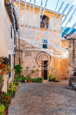 Vista idílica del pueblo viejo de Valldemossa Mallorca España