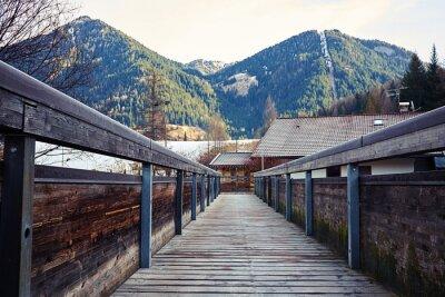 Cuadro Vista sobre las montañas desde el puente