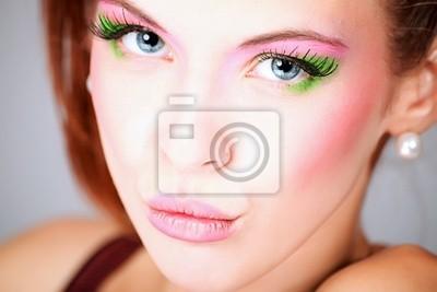 vívida maquillaje