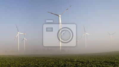 Wiatraki,Turbiny wiatrowena we mgle