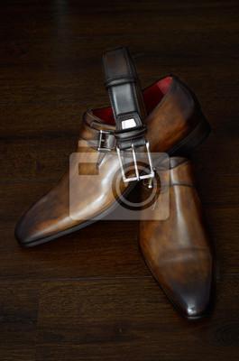 Zapatos de cuero de lujo y cinturón