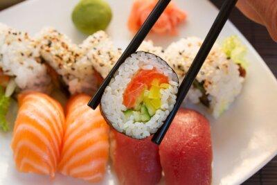 Fotomural almuerzo con el plato de sushi