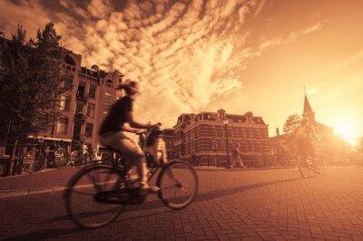 Fotomural Andar en bicicleta en la ciudad