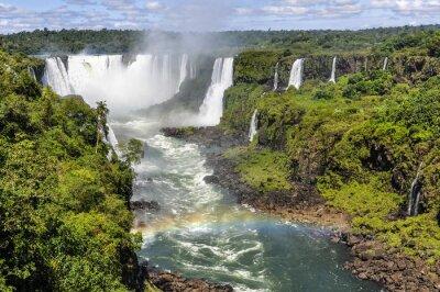Fotomural Arco iris en la garganta del diablo en Cataratas del Iguazú, Brasil