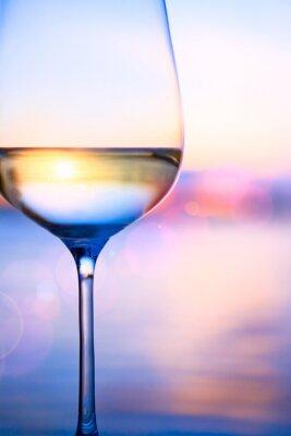 Fotomural Arte de vino blanco en el fondo marino del verano