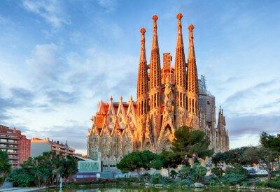 Fotomural BARCELONA, ESPAÑA - 10 DE FEBRERO: La Sagrada Familia - la impresión