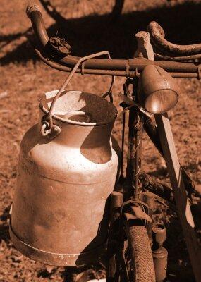 Fotomural Bicicleta del siglo pasado utilizada para transportar la leche