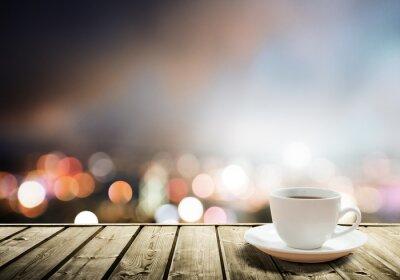 Fotomural café en la mesa en la noche de la ciudad