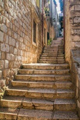 Fotomural Calle estrecha y escaleras en el casco antiguo de Dubrovnik, Croacia, Mediterráneo ambiente