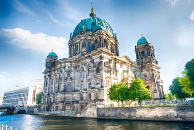 Fotomural Catedral de Berlín en Berlín en un hermoso día de verano