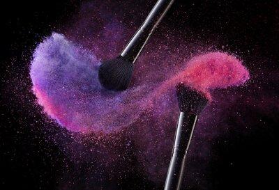 Fotomural Cepillos cosméticos y explosión Polvos coloridos.