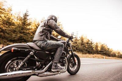 Fotomural Cerca de una motocicleta de alta potencia