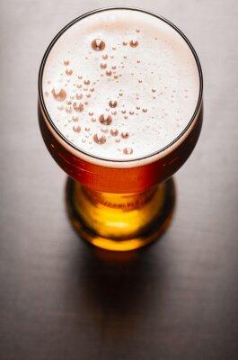 Fotomural cerveza lager en la mesa