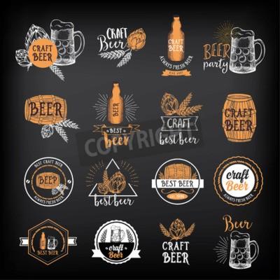 Fotomural Cerveza restaurante badges vector, diseño de menú de alcohol.