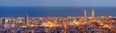 Fotomural De Barcelona skyline panorama en la hora azul