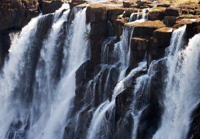 Fotomural Detalle del agua que cae Victoria Falls. De cerca. Parque Nacional Mosi-oa-Tunya. Y Patrimonio de la Humanidad. Zambiya. Zimbabue. Una excelente ilustración.