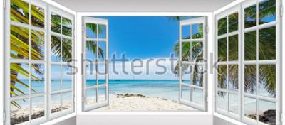 Fotomural día soleado de verano la vista desde la ventana en la playa del mar con palmera