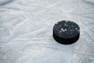 Fotomural Disco de hockey en pista de hockey sobre hielo