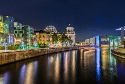 Fotomural Distrito gubernamental de Berlín en la noche