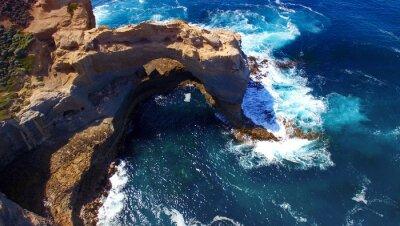 Fotomural El arco. Formación de roca a lo largo de Great Ocean Road, Australia. Aeri