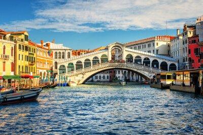 Fotomural El Gran Canal y el puente de Rialto, Venecia, Italia
