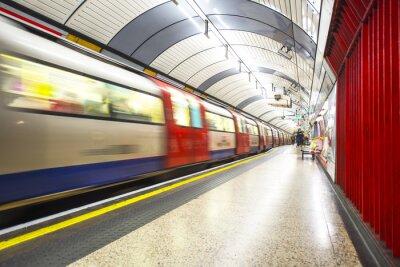Fotomural El tubo llega a la estación