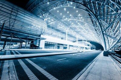 Fotomural estación de tren moderna en la noche