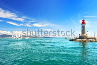 Fotomural Faro de San Tropez. Hermoso paisaje mediterráneo. Costa Azul, Cote d 'Azur, Francia