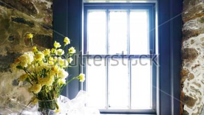 Fotomural Flores cerca de la ventana