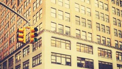 Fotomural Foto estilizada retro de semáforos en la ciudad de Nueva York, profundidad de campo.
