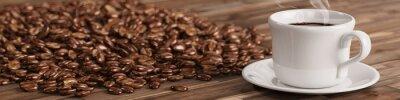 Fotomural Fresh taza de café con muchos granos de café