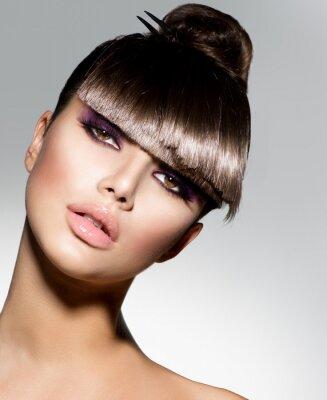 Fotomural Fringe. Girl Model Fashion Con Trendy Peinado
